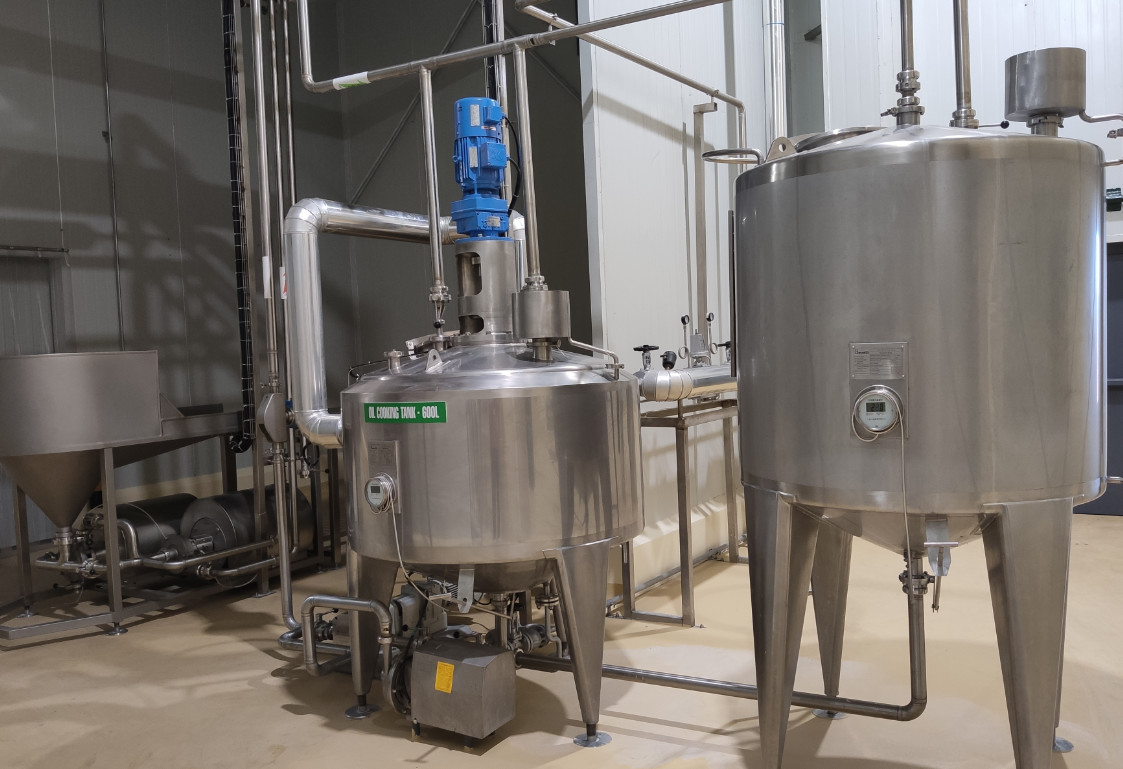 1000kg/H Condensed Milk Plant / Fresh Milk Processing With 380g Tin Can Packages